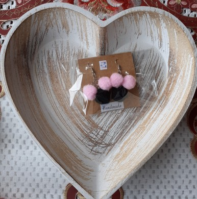 Earrings in pale pink and black Pooh
