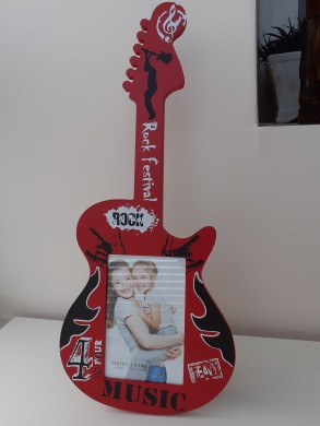 Picture frame Red Guitar